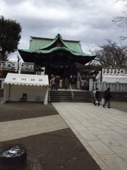 五反田の氷川神社です。