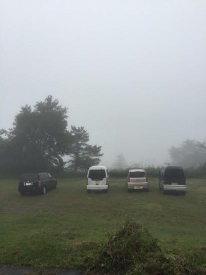 霧煙るキャンプ場も中々です!